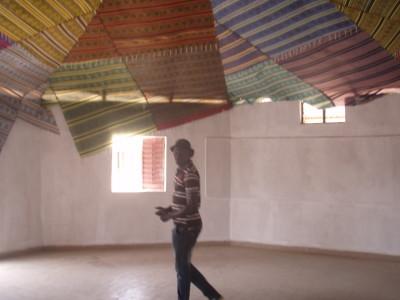 La pose des nattes à Koumbal